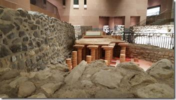 Blick in das römische Rundbad von 76